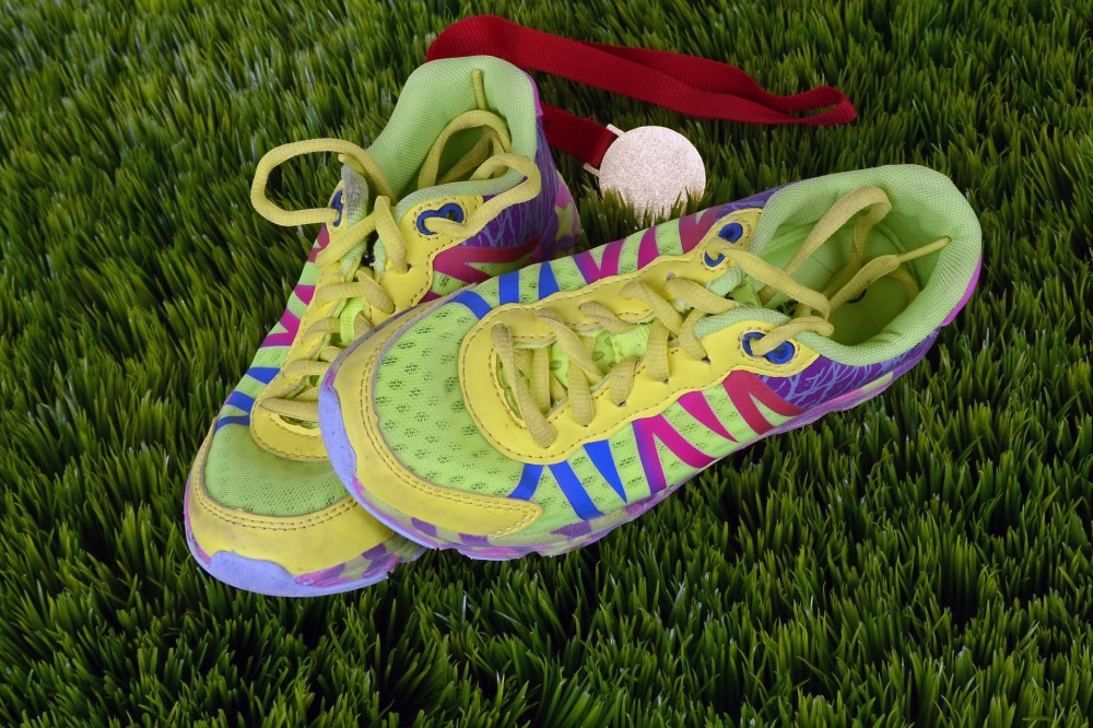 running-shoes-1428049_1920