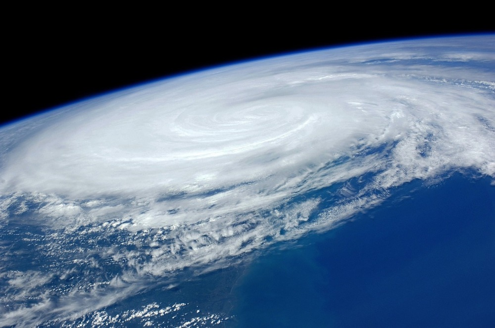 hurricane-1245322_1280